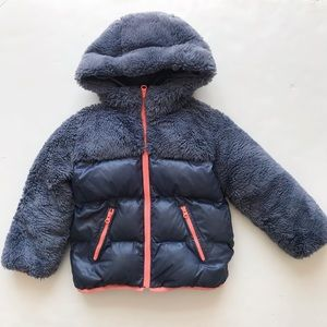 Gap kids blue plush hooded puffer coat EUC XS/4-5T